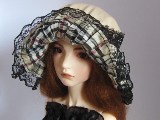 Шляпка для куклы с