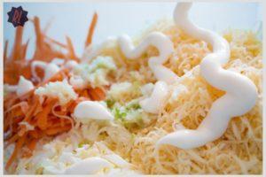 salat-s-morkovyu-syrom-4